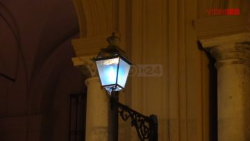 Palazzo VII Aprile Blu Autismo