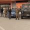 Esercito e Polizia davanti ai supermercati di Marsala
